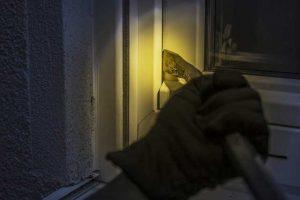 Mechanische Fenstersicherung als Einbruchschutz